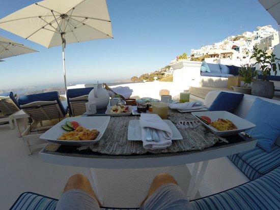 Iconic Santorini, a boutique cave hotel: colazione