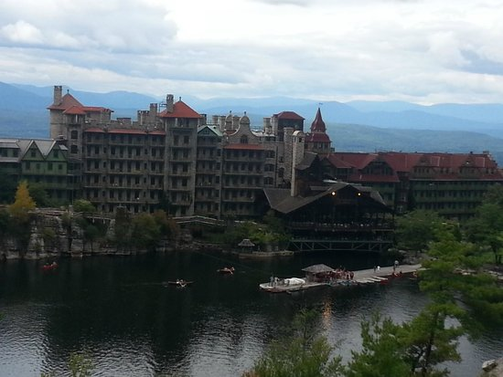 Mohonk Mountain House: A view of the hotel from a lookout about 1/3 of the way up to the Skytop Tower