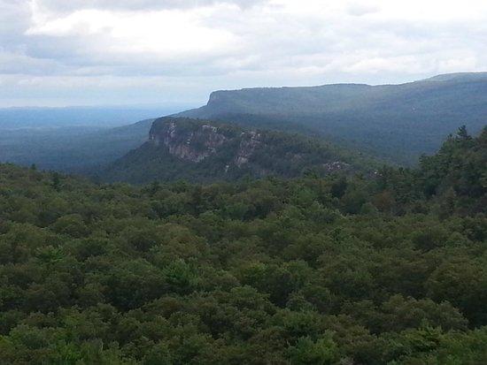 Mohonk Mountain House: Shawangunk Ridge as seen from the trail