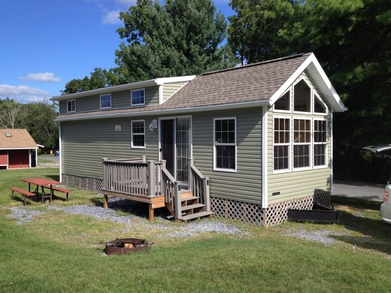 Hershey RV & Camping Resort: Park Model cabin - #C2