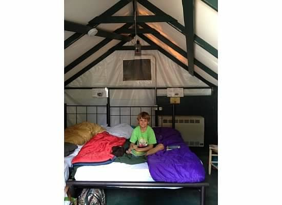 Half Dome Village: Camp Curry tent cabin for four- 1 Q, 2 twins