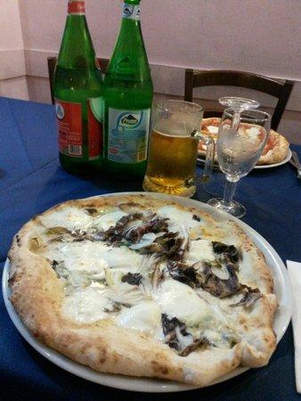 Ristorante Pizzeria Dal Soldino : La pizza più buona che io abbia mai mangiato..