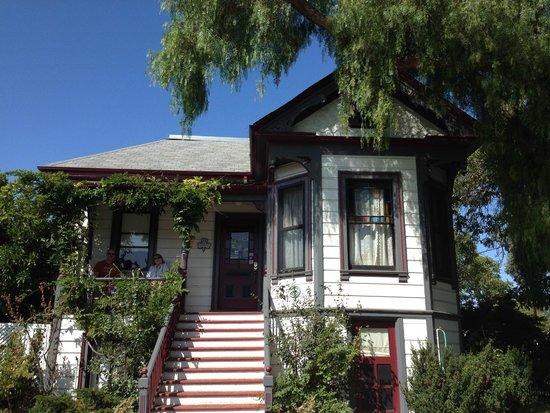 Madison Street Inn: front door