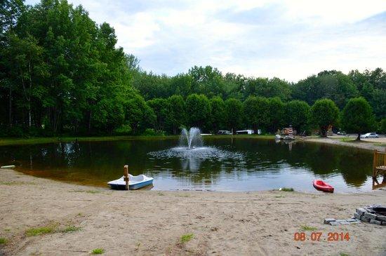 Cedar Haven Family Campground: Pond