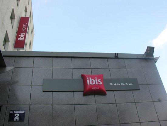 ibis Krakow Centrum: La targa dell'Hotel Ibis (a Cracovia ce ne sono altri 2)