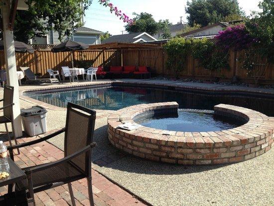 Madison Street Inn pool