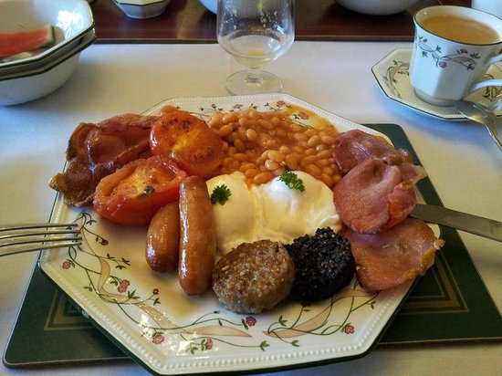 Marless House Bed & Breakfast: Full Irish Breakfast with poached eggs...and beans on the side