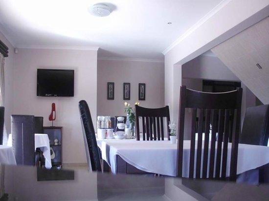 Milkwood Mansion: Breakfast/ Dining Area