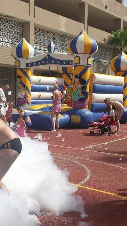 Iberostar Bouganville Playa: Bouncy castle