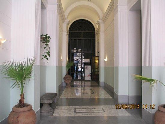 Hotel Sant Angelo: L'ntrée de l'hôtel