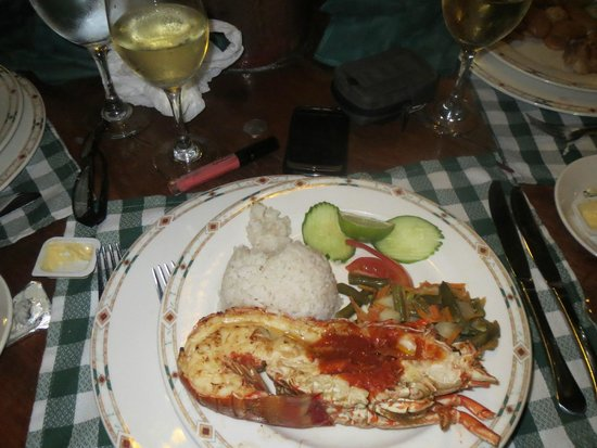 Hotel Playa Costa Verde: Cuban restaurant ...lobster
