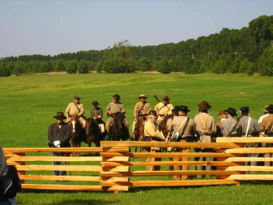 Hampton, GA: Reenactors for battle