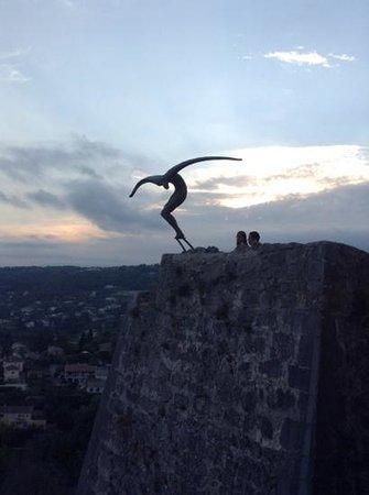 Saint-Paul de Vence: linda imagem no jardim mais alto