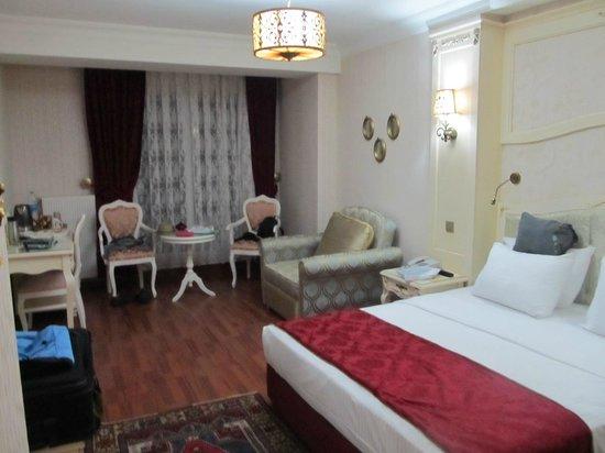 Muyan Suites: first floor bedroom