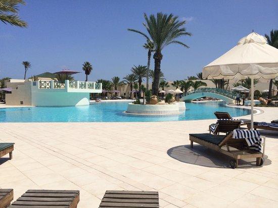Yadis Djerba Golf Thalasso & Spa : Piscina