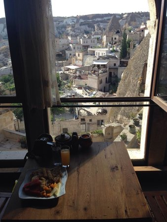 Kelebek Special Cave Hotel: Breakfast and view