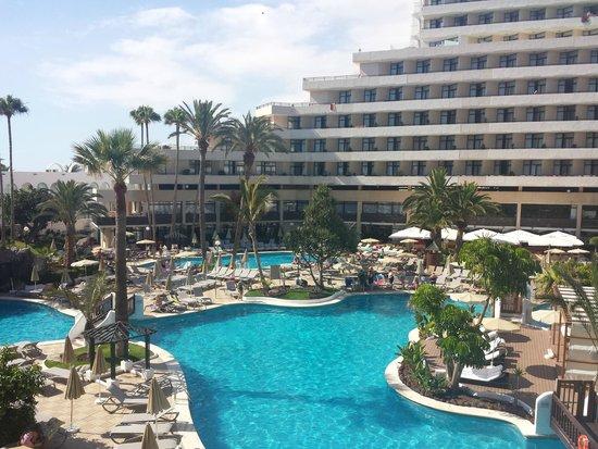 H10 Conquistador: poolside room view