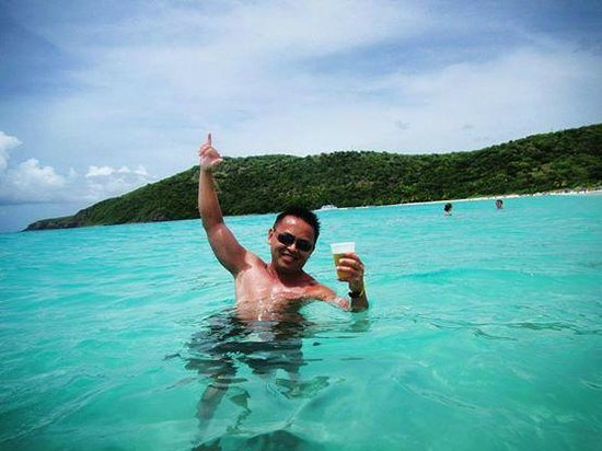 Flamenco Beach : warm blue water