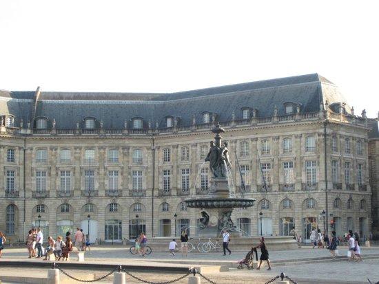 Place de la Bourse (Place Royale): Place de la Bourse