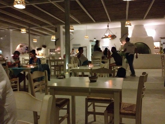 Koumpara Seafood Restaurant: Sala