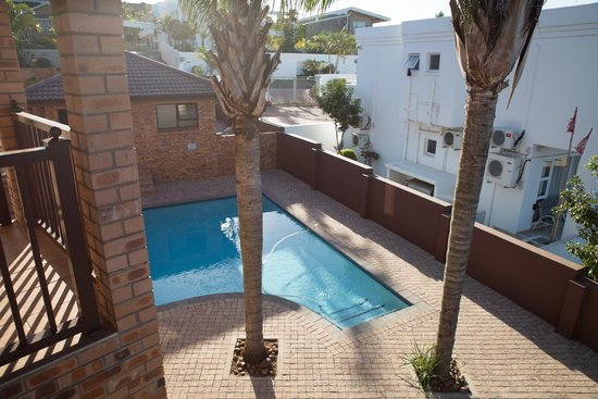 Milkwood Mansion: Outdoor Pool