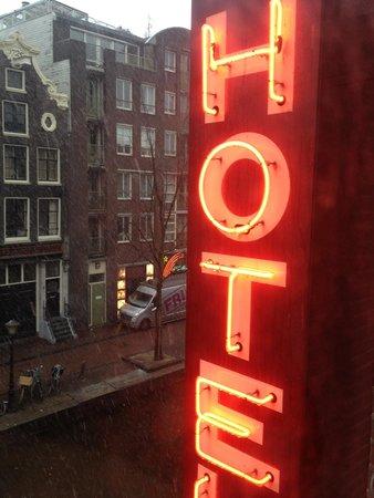 Hotel 83 Amsterdam: Finestra