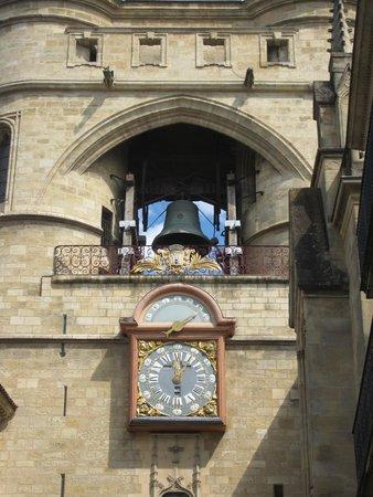 Grosse Cloche de Bordeaux: The bell and the clock