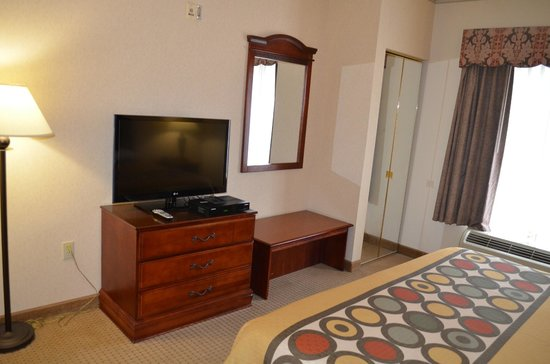 Super 8 Budd Lake: king room