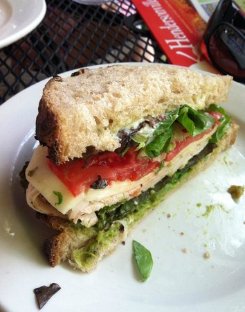 Flat Rock Village Bakery: Turkey Avocado Sandwich