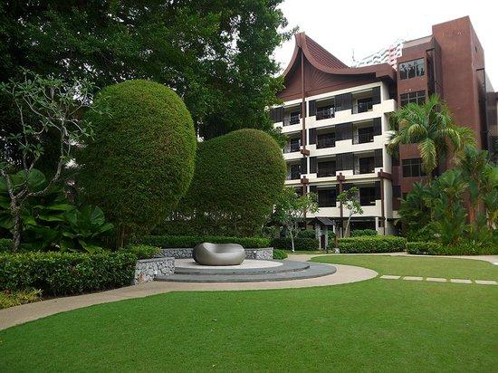 Shangri-La's Rasa Sayang Resort & Spa: Rasa Wing grounds