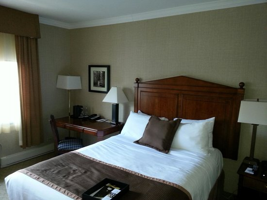 The Lord Nelson Hotel & Suites: Bedroom