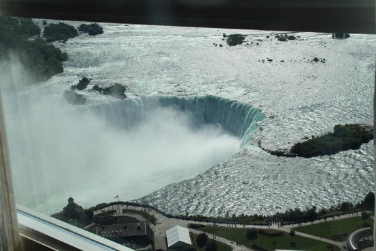 Embassy Suites by Hilton Niagara Falls Fallsview Hotel : Horseshoe Falls from our Room