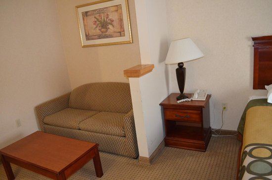 Super 8 Budd Lake: accessible room