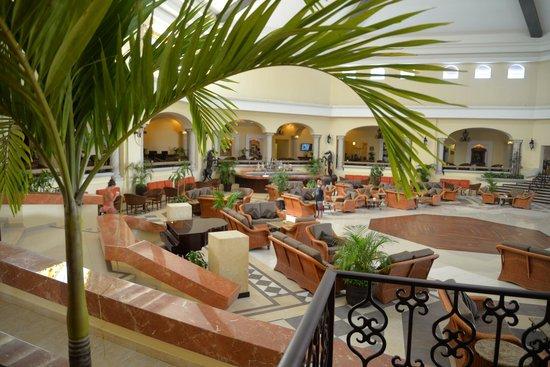 The Royal Playa del Carmen: Foyer
