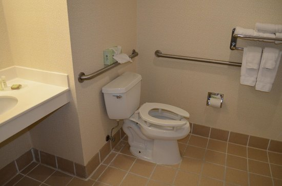 Super 8 Budd Lake: accessible bathroom