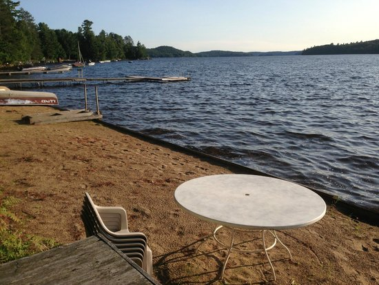 The Lake of Bays Lodge : Dock - Lake of Bays