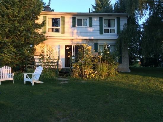 Elmhirst's Resort: cabin