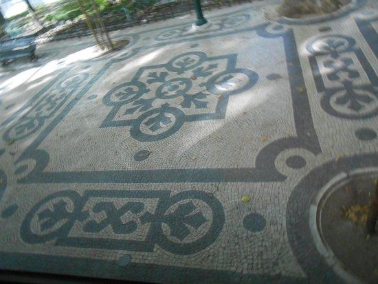 Lisbon Marriott Hotel: Piso de uma calçada em Lisboa, lindooooooooo!!!!