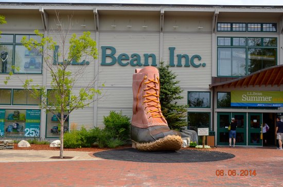 L.L. Bean Factory Store: LL Bean Flagship Store Freeport Maine
