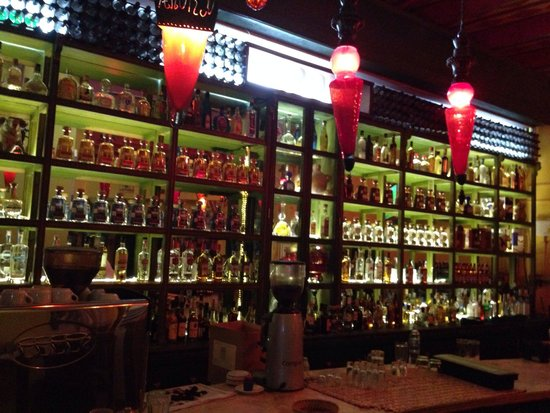 La Lupe: Cuenta con un impresionante Tequila Bar