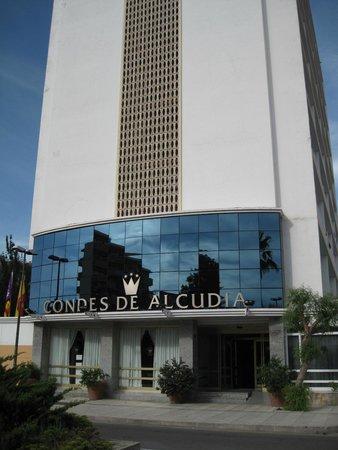 Globales Condes de Alcudia: Frente do Hotel
