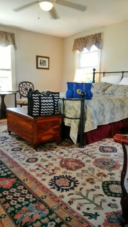 Tower House B&B: Caldwell Suite