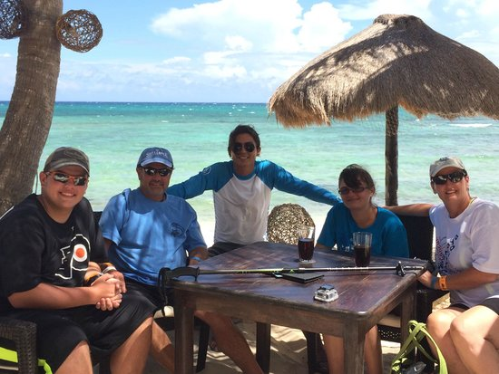 Your Private Tour: Excellent lunch with Hector at La Lunita