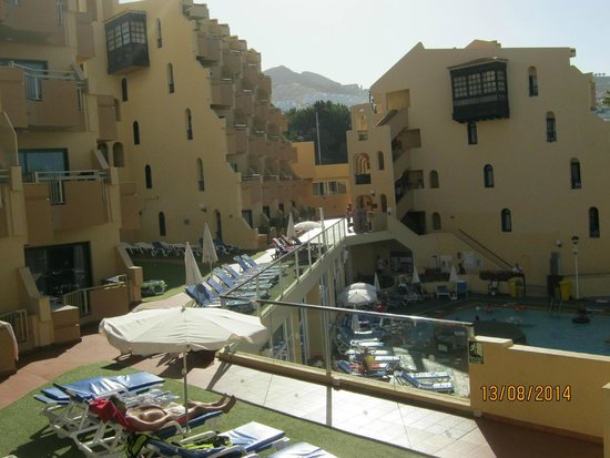 Playa Olid Apartments: view from outside apartment