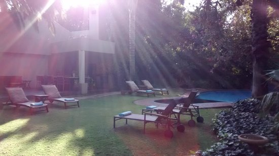African Rock Hotel: Área externa - piscina