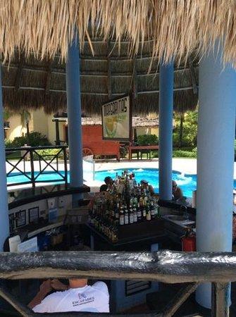 Catalonia Riviera Maya: swim up bar main pool