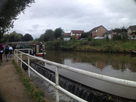 Anderton Boat Lift: Nice walk along the canal