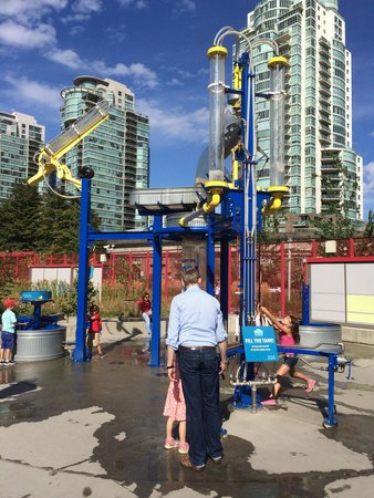 Science World : Outdoor play area