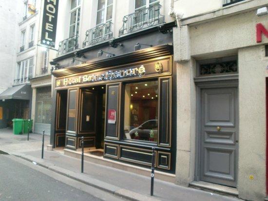 Hotel Saint-Honore : 外観