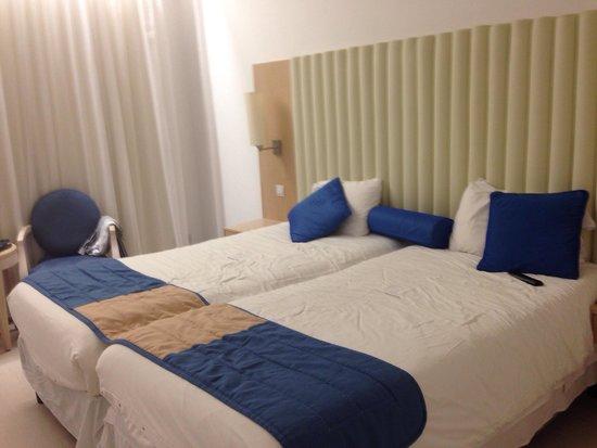 Vrissiana Beach Hotel: Our room
